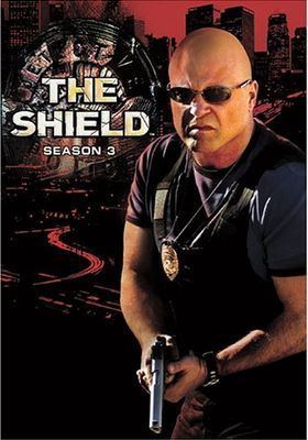 『ザ・シールド ルール無用の警察バッジ シーズン3』のポスター